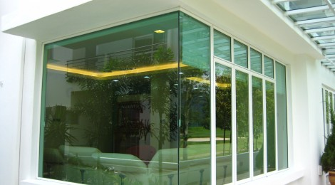 Full Panel Glass