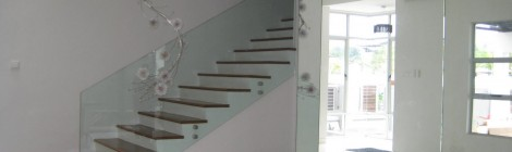 Modern Home Glass Staircase