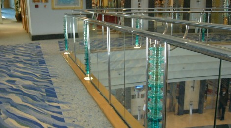 Balustrade with glass feature