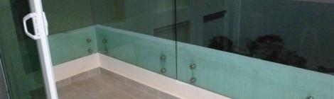 Frameless balustrade systems