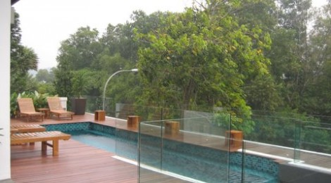 Swimming pool Glass Fences